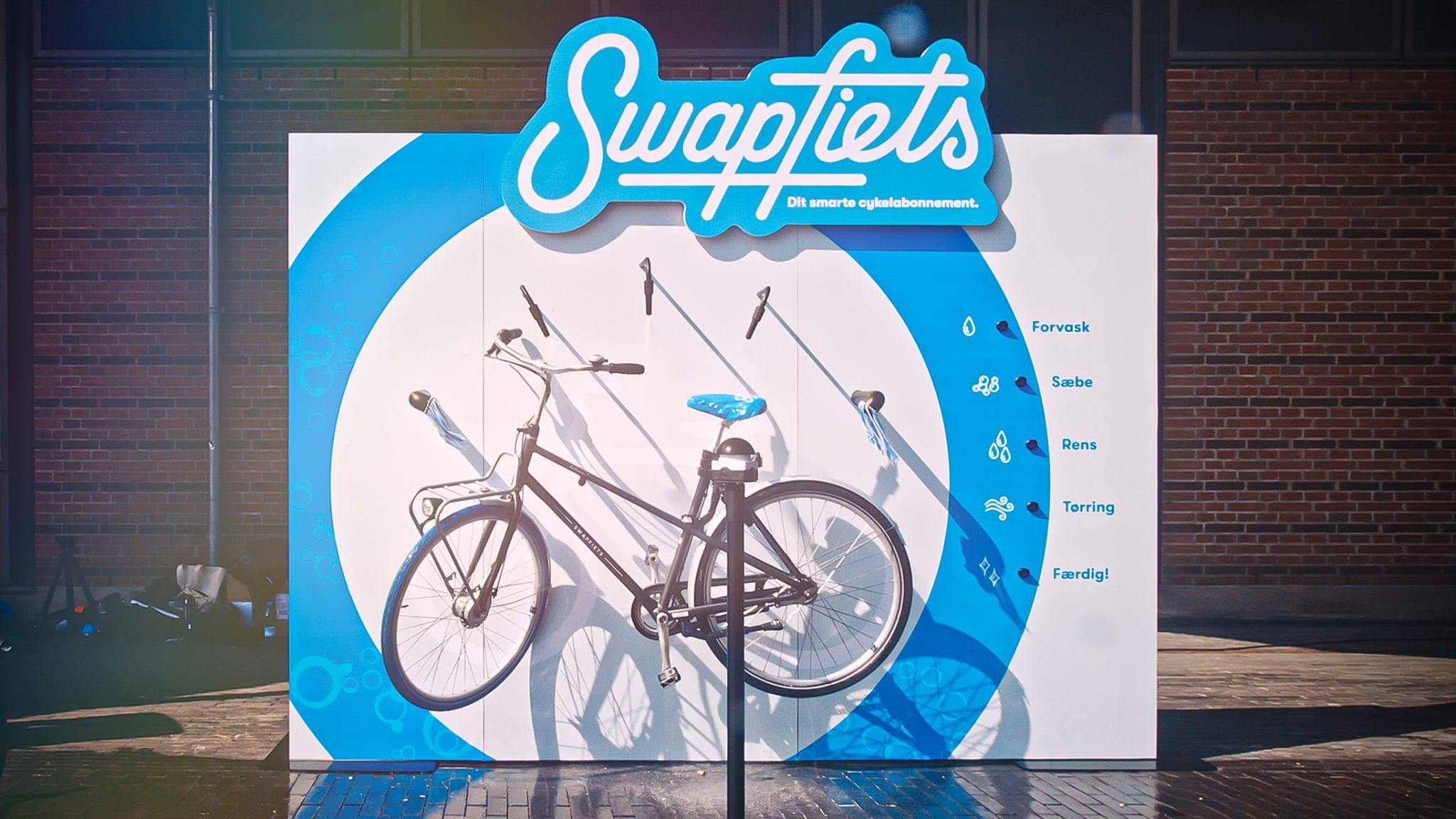 Swapfiets_BikeWashingBillboard_still_09-wide